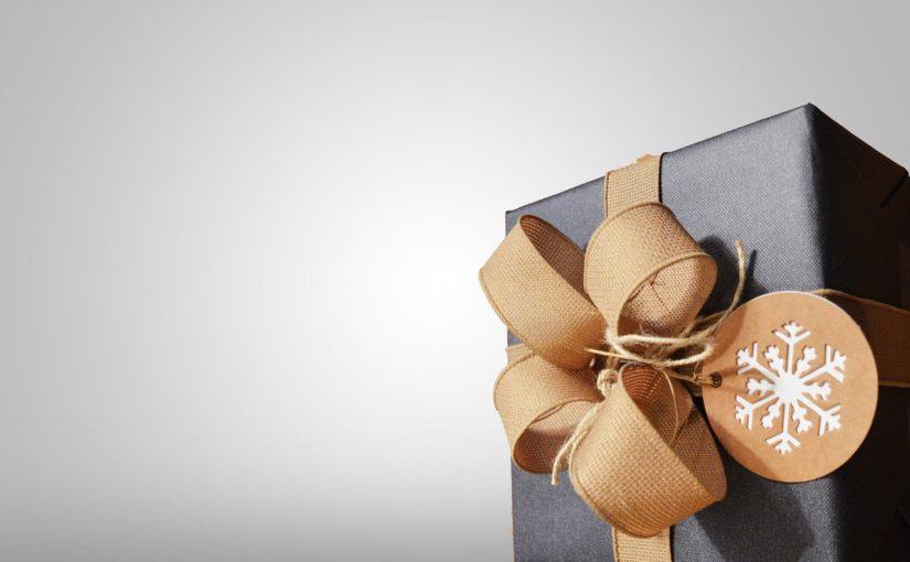 Dzień Kobiet – co podarować narzeczonej, najlepszy prezent.